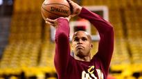 Richard Jefferson wears crazy Snapchat glasses for POV look at dunking (VIDEO)
