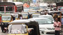 Autos create traffic jam on Malad Link Rd