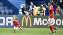 Euro 2016: Wales into quarters as Gareth Bale stars in win over Northern Ireland