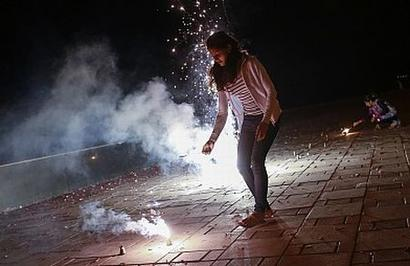 6:30 pm to 9:30 pm: Time fixed for bursting crackers in Punjab