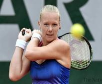 Djokovic, Murray, Serena through as Azarenka exits
