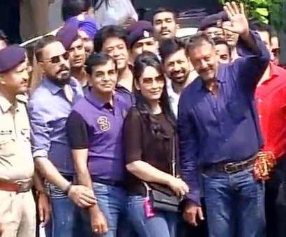 Sanjay Dutt arrives in Mumbai
