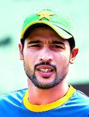 Aamir bags three, warms up in style