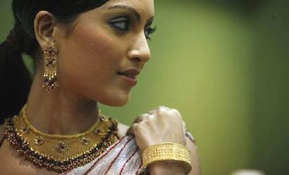 Dhanteras puts the shine back on gold sales