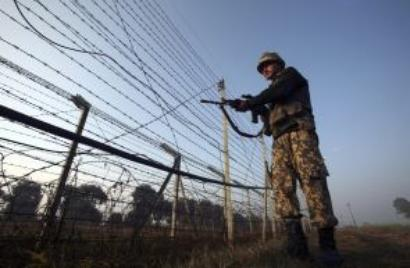 Soldier injured as Army foils infiltration bid in Kashmir