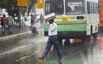 Mercury dips in north India after snowfall in Kashmir, rainfall in Delhi and Rajasthan