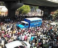 Violence return to Gujarat