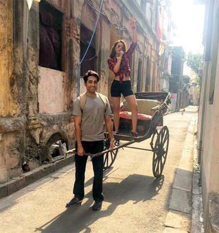 Ayushmann takes Parineeti for a joyride