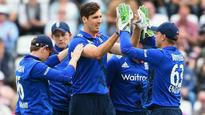 ICC Champions Trophy 2017: Steve Finn replaces injured Chris Woakes in England team