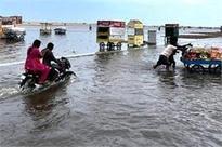 Flood toll 31, lightning kills 27