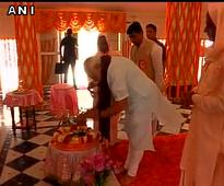 On third day of campaigning, Modi visits Gadwaghat ashram in Varanasi