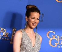 Kate Beckinsale teases daughter in fun family selfie