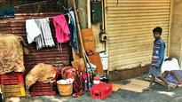 Colaba office-goers face encroachment woes