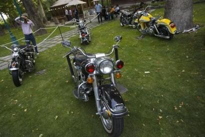 Flex-engine motorcycles to hit Indian markets soon: Nitin Gadkari