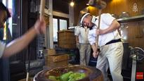Watch: Japanese Master Shows Us How Mochi Is Traditionally Made