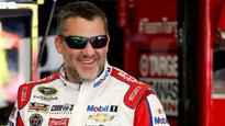 Tony Stewart pays tribute to A.J. Foyt on helmet in final Indy race