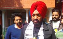AAP's Comedy-King Candidate Gurpreet Ghuggi Woos NRI Punjabis