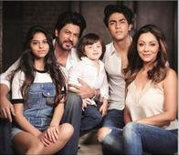 Perfect Family: Gauri Khan and Shah Rukh Khan's picture with Aryan, Suhana and AbRam is the best ever!