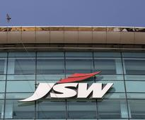JSW Energy inks pact with Maharashtra to set up manufacturing unit for EVs