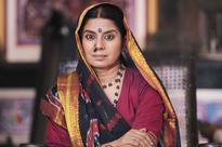 Mita Vashisht takes Bhojpuri lessons from Kaala Teeka co-star Akshara Singh!