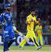 Hussey and Raina power Super Kings into the final