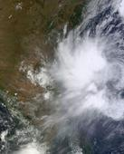 Bangladesh orders evacuation over cyclone