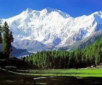 Looking at Kashmir through a camera lens