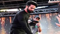 IIFA 2017: Shahid Kapoor's reaction to a kid calling him from the crowd is adorable
