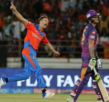 PIX: Gujarat Lions beat Rising Pune Supergiant by 7 wkts
