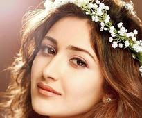 Sayyeshaa wants to work with Ranbir Kapoor