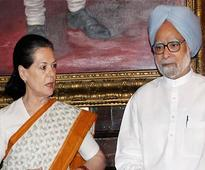 PM, Sonia condemn Naxal attack in Chhattisgarh