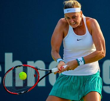 Connecticut Open: Kvitova advances, Vinci ousted