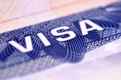 UK to cut student visas by half
