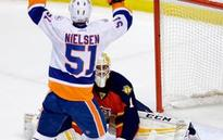 Panthers, Islanders go into 2nd OT tied at 1-1 in Game 5