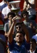 Wawrinka rules on clay