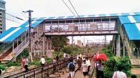 Paucity of fund delays makeover of city's rly bridges