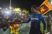 Sri Lanka bat in Dilshan farewell match