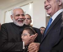 Modi meets 26/11 survivor boy who wishes to return to Mumbai