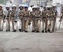 Kashmir unrest completes 100 days; mobile internet services continue to be suspended