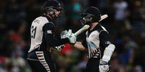 Aus vs NZ 1st ODI: Australia in deep trouble, updates
