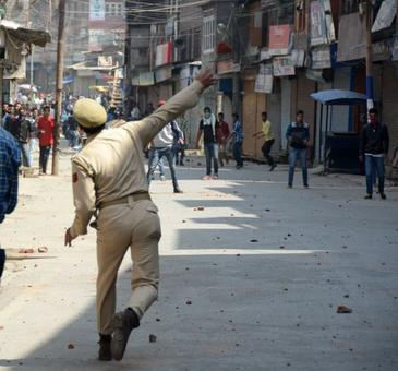 SC order probe into death of Srinagar protester, rules out arrest of cop