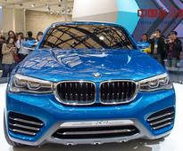 Carmakers showcase tech innovations at Shanghai Auto Show