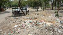 Broken roads, no streetlights make life tough for Vasundhara residents