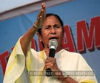 Mamata Banerjee continues to inaugurate state-sponsored festivals; partymen protest outside CBI office