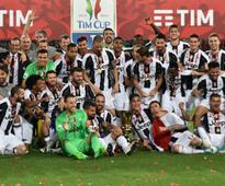 Juventus cruise past Lazio to secure 3rd straight Coppa Italia title, keep treble hopes alive
