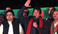 Imran Khan reaches Raiwind to address rally