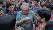 Watch | Shocking intolerance at Delhi Urdu festival as author Tarek Fatah manhandled
