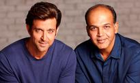 Hrithik embarks on vacation with kids to Africa