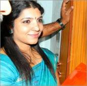 Saritha softens Rs 10 crore allegation against CPM
