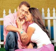 Priyanka Chopra, Kareena Kapoor Khan, Sonakshi Sinha  17 women whom Salman Khan did MARRY…in FILMS!